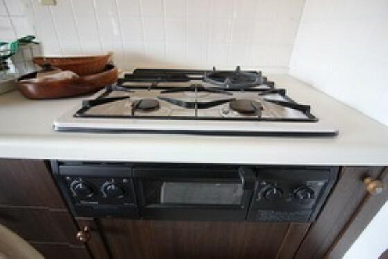 お料理の効率を上げくれ、煮込み料理など同時進行ででき、時短にもなります。