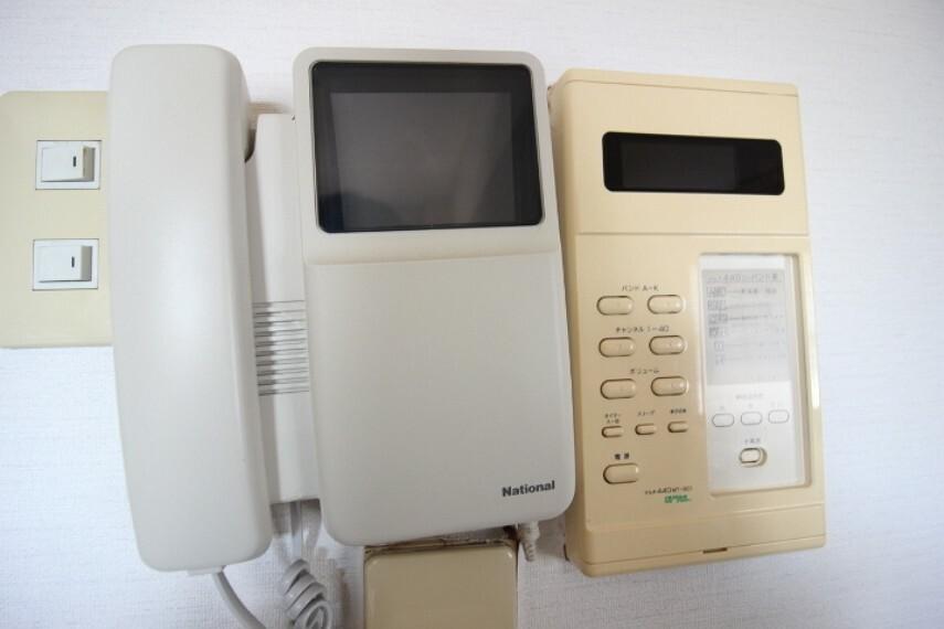 防犯設備 モニター付きインターフォン付き!来客時にも相手も顔がわかるので、安心ですね。