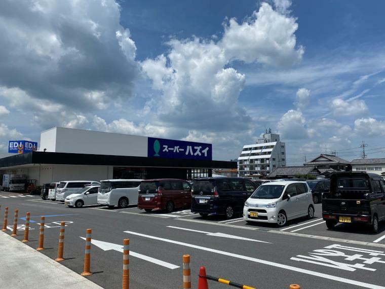 スーパー スーパーハズイ水口店 車9分 ■10:00-19:00 野菜・青果・鮮魚の鮮度よし!鮮魚・お惣菜の対面販売はとても活気があり、賑わいのあるお店です