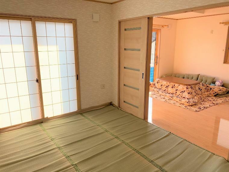 和室 日当たりの良い和室で、くつろぎの間としてとても過ごしやすいです。