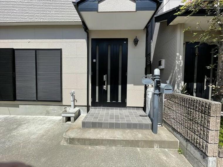 玄関 玄関は家の顔でもあります。広いと気持ちがいいですね!