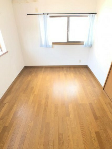 洋室 全室6帖以上のお部屋を確保しており、お部屋の使い方には困りません」。