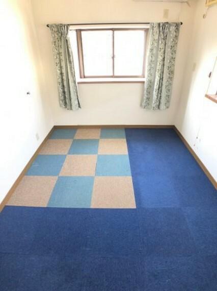 洋室 6帖の洋室は寝室にも子供部屋にも最適な広さ。