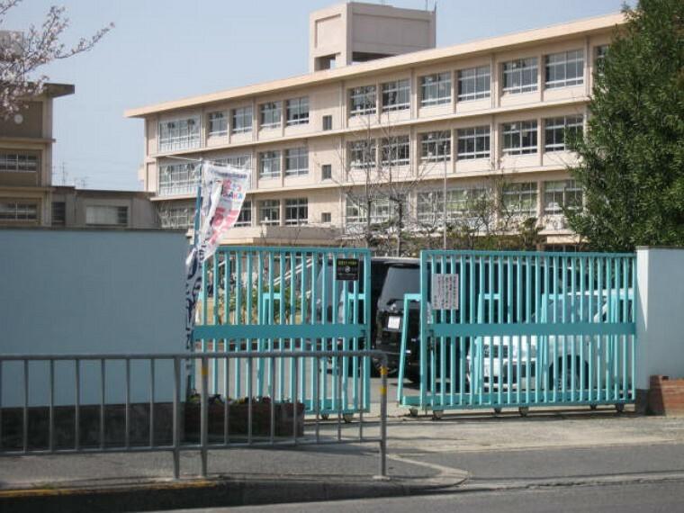 小学校 【小学校】寝屋川市立南小学校まで1457m