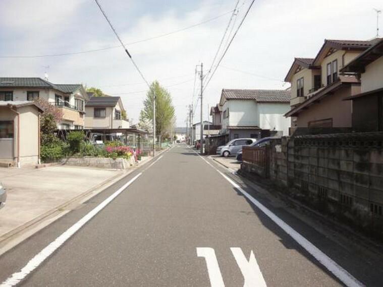 現況写真 前面約6m道路に接道しているため、開放感がございます。