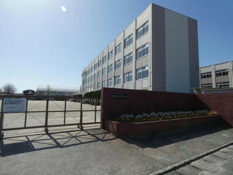 中学校 豊岡中学校まで徒歩約14分。(約1100m)