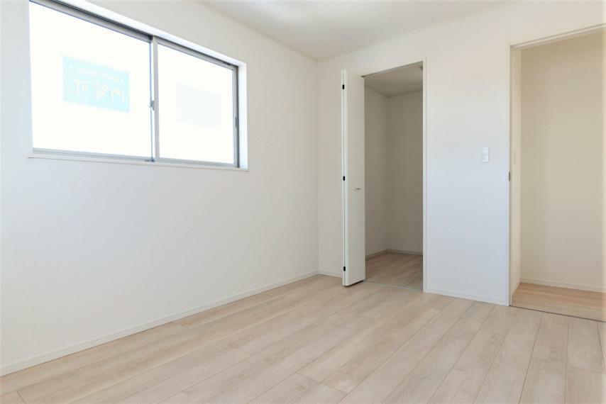 子供部屋 (同仕様例)お子様の成長やライフスタイルの変化に合わせて快適にご使用いただける洋室空間。
