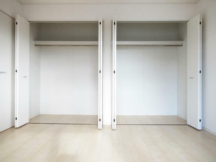 収納 【4号棟】主寝室8帖クローゼット