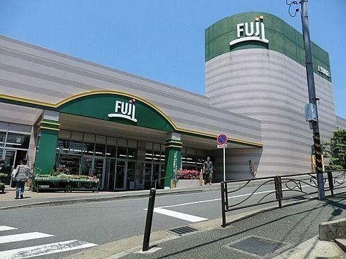 スーパー Fuji上野川店 徒歩12分。