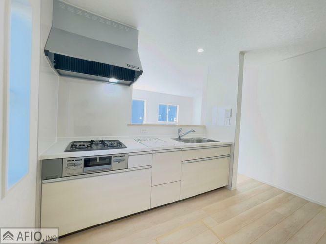 キッチン 新築ならではのピカピカの水廻り。引っ越し後のお料理が楽しみですね。