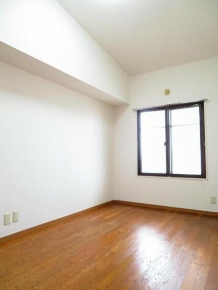 6.6帖の洋室。主寝室にいいですね。