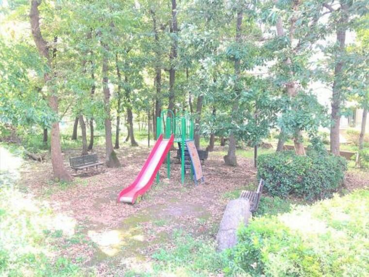 憩いの場。三番街すぐ隣に敷地内公園あります!
