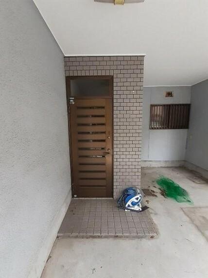 玄関 玄関周りはお好みのディスプレイで楽しんでください!
