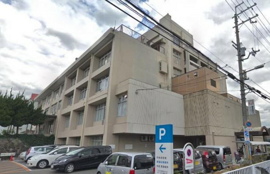 図書館 東大阪市立四条図書館