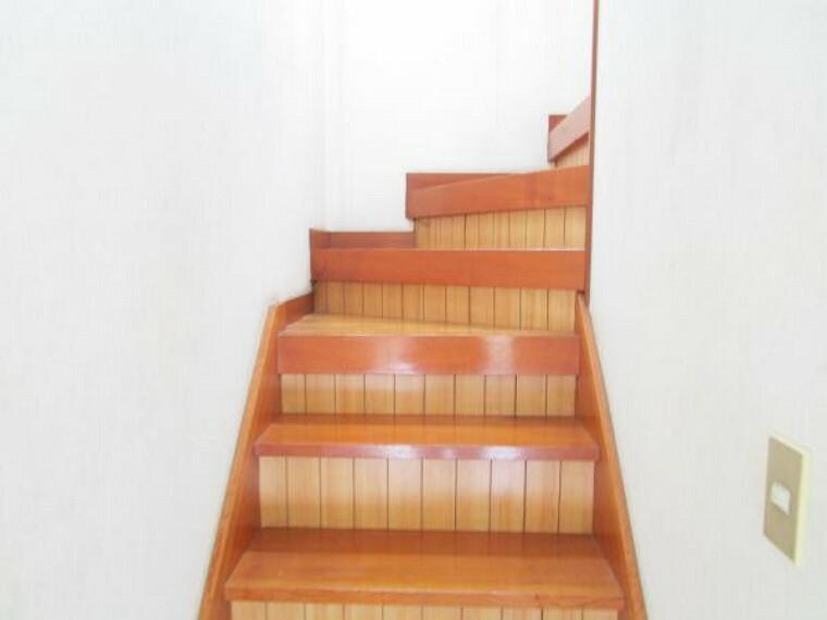 【リフォーム中】階段はクリーニングを行います。
