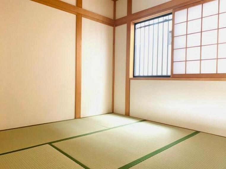 和室 来客時など多様に使える和室です