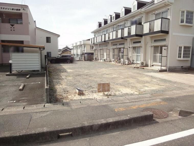 現況写真 現況更地のため建物の解体は必要なく建築可能です。