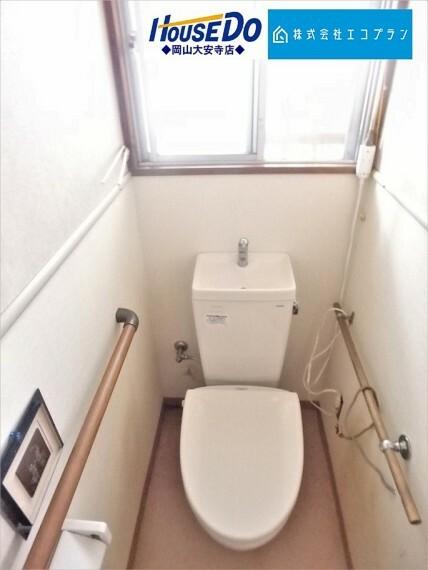 トイレ 毎日使用する場所だから、換気出来るよう、窓も完備。いつも清潔な空間であって頂けるよう配慮されています