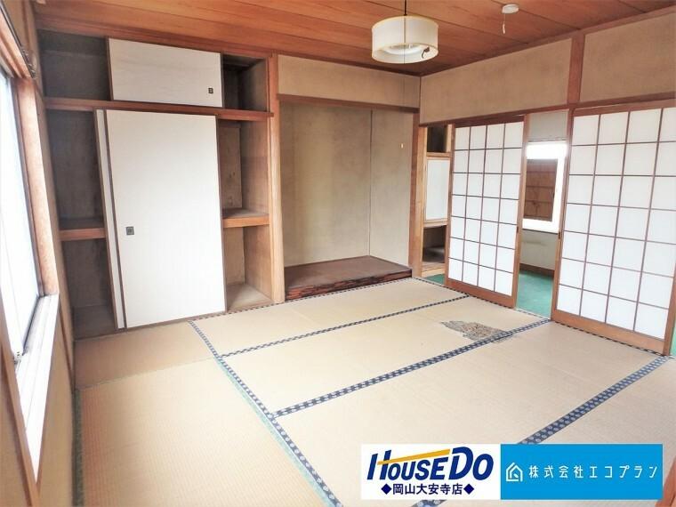 和室 和室があることで落ち着きと癒しの空間が生まれます。来客時の客室としても、お子様のプレイルームやお昼寝にも最適です