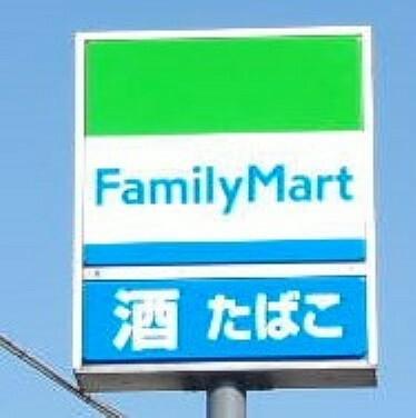 コンビニ ファミリーマート真岡清水店