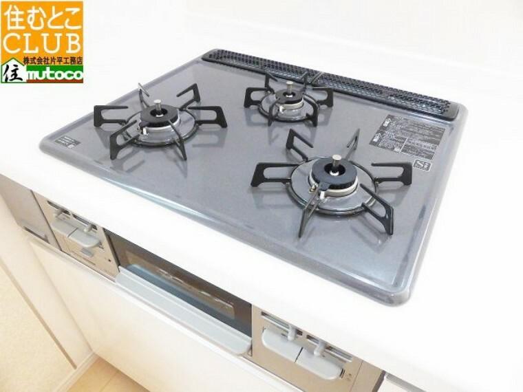 キッチン 保証範囲外の内部壁やドア等の施工精度を、精密度デジタル水平器で確認することも可能です■片平工務店