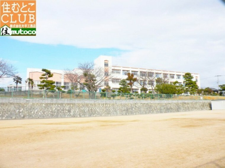小学校 【小学校】岩岡小学校まで1812m
