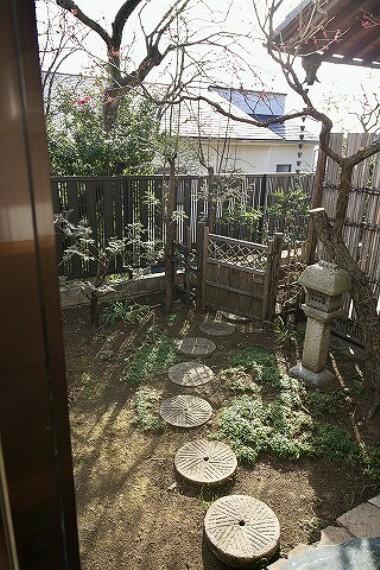 庭 これぞ日本家屋。古き良き雰囲気の中で富士山や海が見える快適な暮らしを... オンリーワン中古戸建。