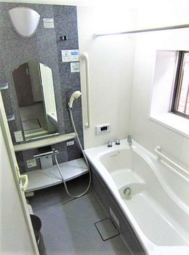 浴室 浴室 ジェットバス付!ゆっくりつかって疲れを取りましょう!