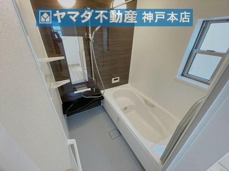 浴室 ミストサウナ機能付浴室暖房乾燥機がついています。