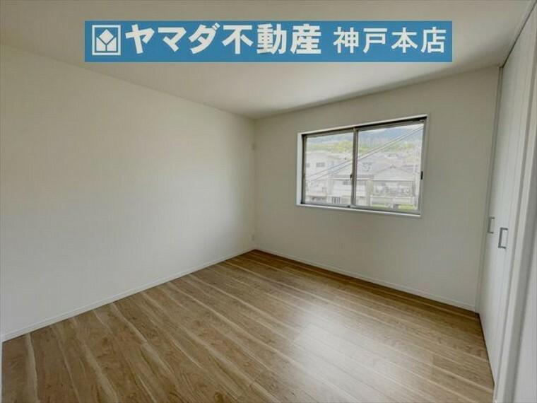子供部屋 3階洋室 約6.1帖。収納付いています。