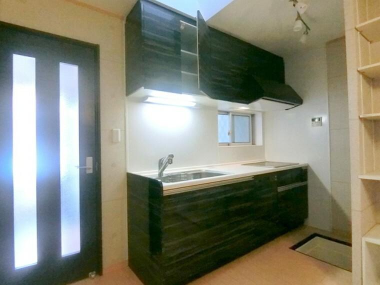 キッチン IHクッキングヒーター、食器洗い乾燥機もついてます!