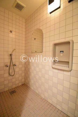 浴室 防音室にはシャワールームが付設されています。