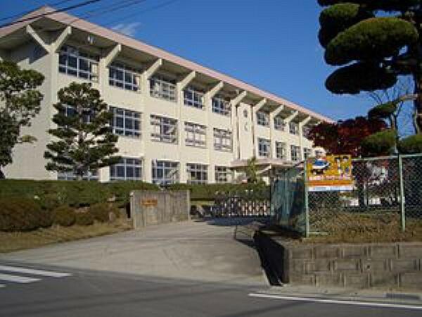 小学校 東広島市立川上小学校