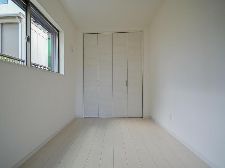 洋室 うららかな陽射しがどのお部屋にも降り注ぐよう、快適さを追求した間取設計。