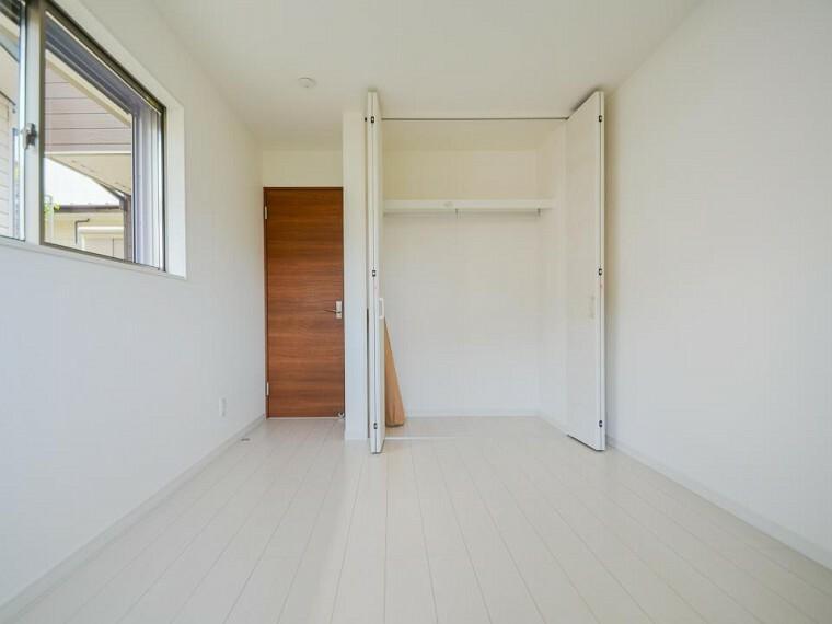 寝室 穏やかな寛ぎを届ける上質仕様のゆとりあるお部屋。