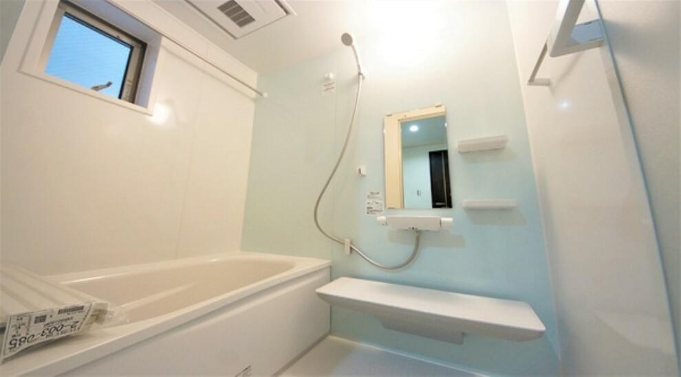 浴室 高級感のあるバスルームは一日の疲れを癒す居心地の良い空間です。