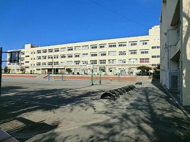 小学校 横浜市立下永谷小学校