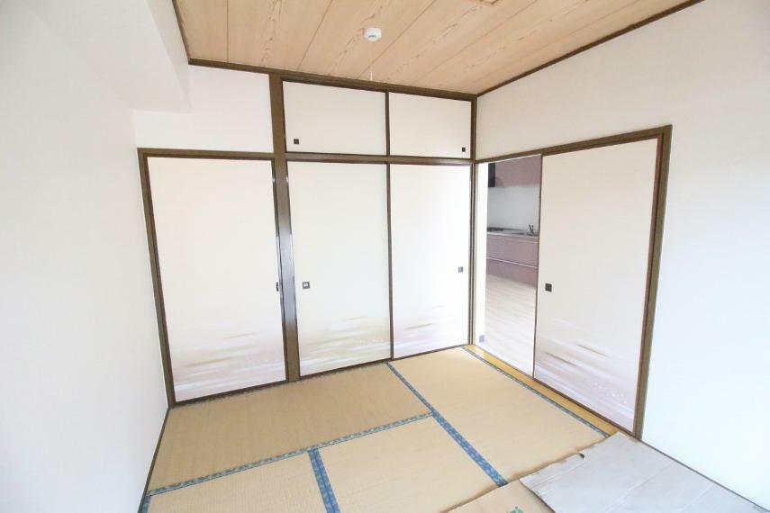 和室 リビング隣の南側和室です、6畳あります