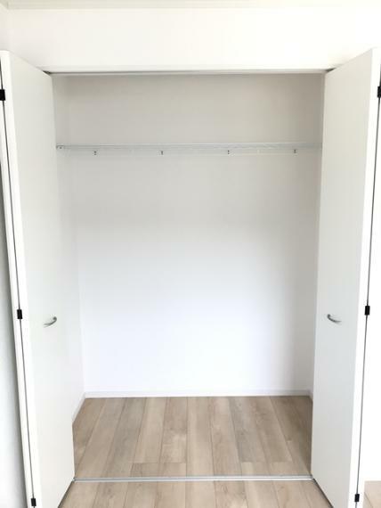 収納 6.5帖洋室の収納