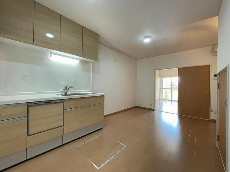 居間・リビング 収納スペース豊富です!