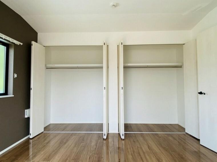 収納 各居室に収納があり、ファミリー向けならではの収納力も魅力です。