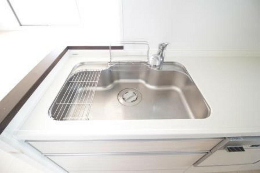 キッチン *シンク* 水切りラックが付いてます。