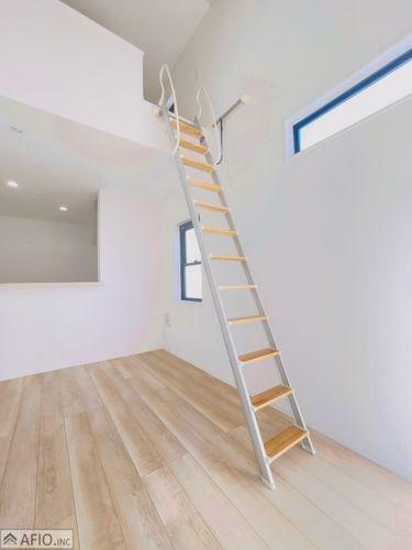 上に上がる階段