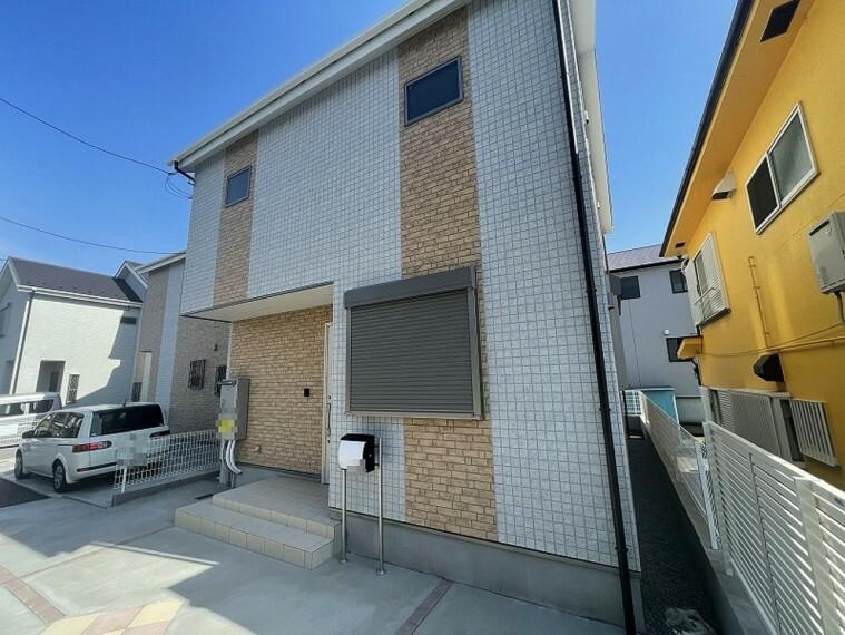 現況外観写真 小田原市国府津に完成しました新築分譲住宅、A号棟です。