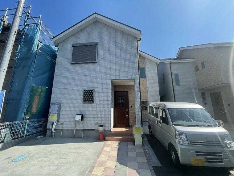 現況外観写真 小田原市国府津に完成しました新築分譲住宅です。