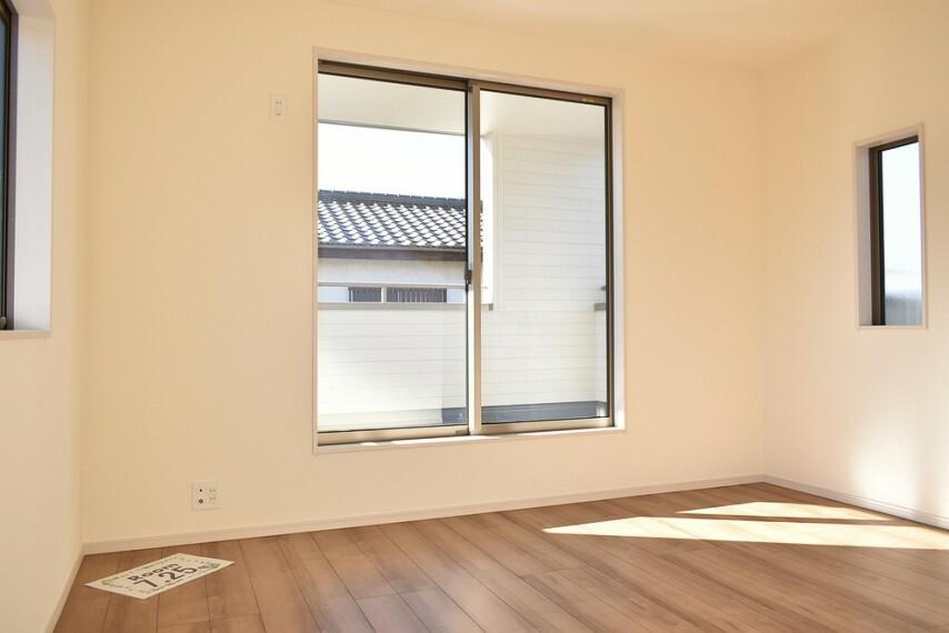 洋室 施工例 主寝室にも最適な広さのお部屋です