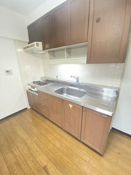 キッチン ハウスクリーニング施工済みで綺麗なキッチン!
