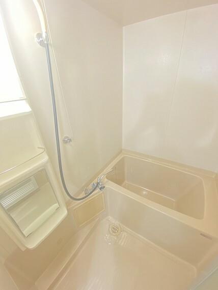 浴室 ユニットバスで快適にお風呂に入れます!