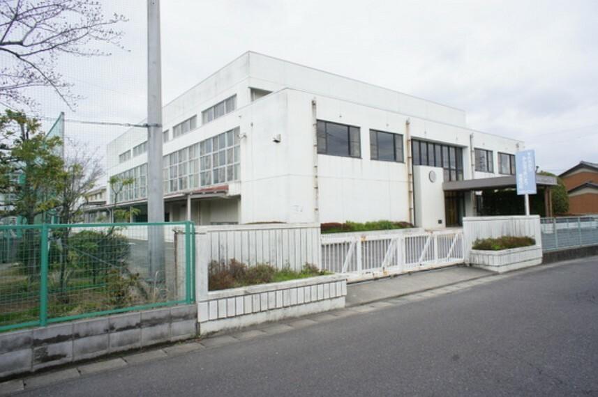 小学校 本田小学校まで徒歩約10分。(約800m)