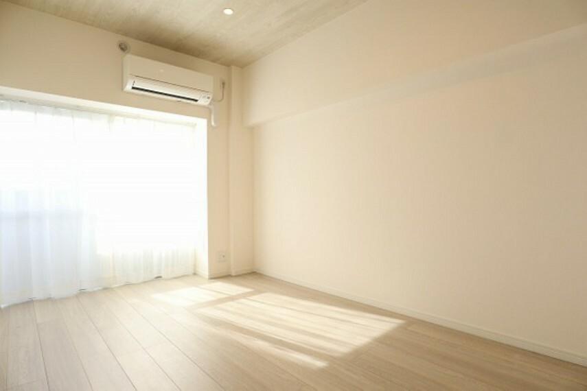 居間・リビング リビングには床暖房完備(同仕様のリビング画像)